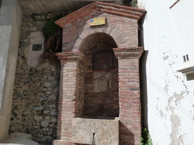 Fontaine au Blason