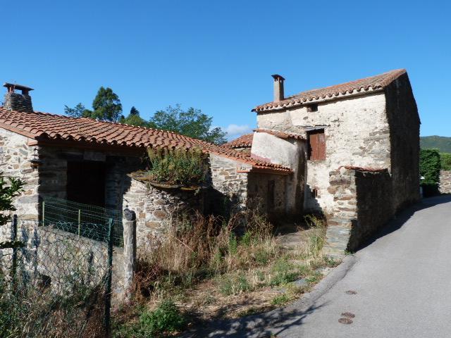 Deux maisons avec leurs fours à pains