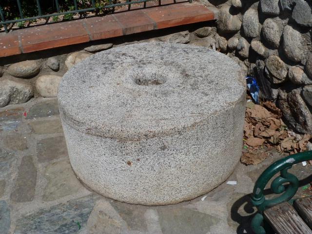 Meule de moulin de la Cantonada del moli
