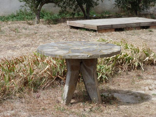 Table de jardin en schistes
