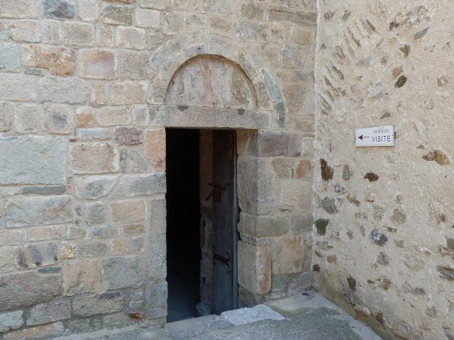 Le Prieuré de Marcevol - L'entrée du prieuré