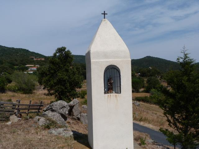 Oratoire situé à la sortie d'Arboussols en allant sur Marcevol