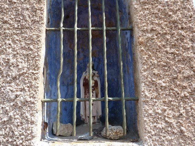 Oratoire situé avant d'arriver à Arboussols en allant sur Marcevol