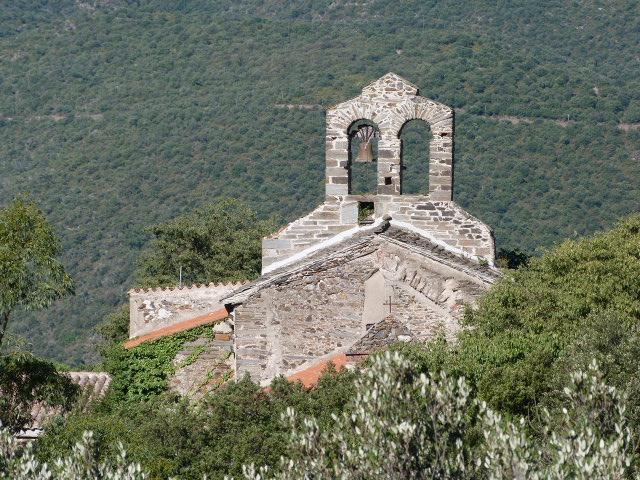 Le village vu en descendant du col de Ste Marguerite - Zoom sur l'église
