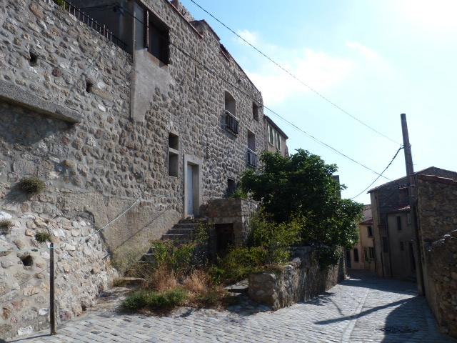 Rue de Montalba le Château