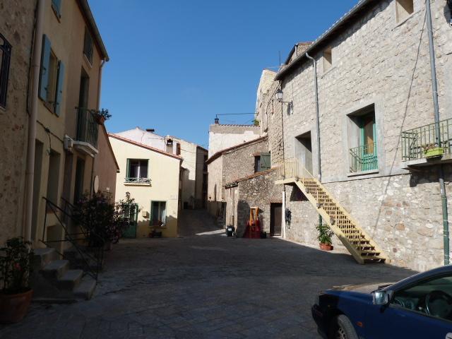 Place de Montalba le Château