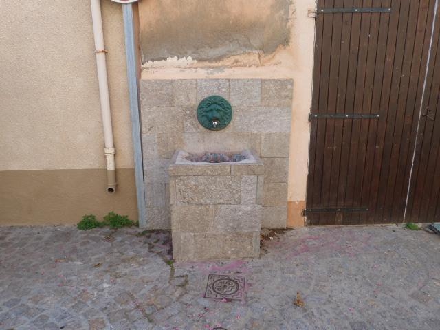 Fontaine de la place de Montalba