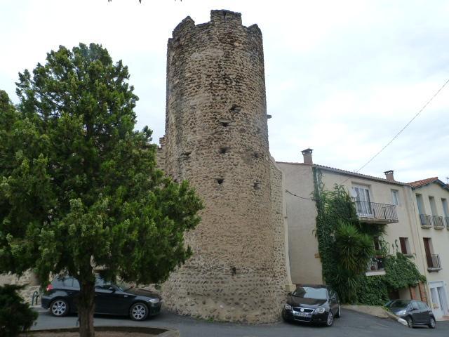 Tour du Square St Michel